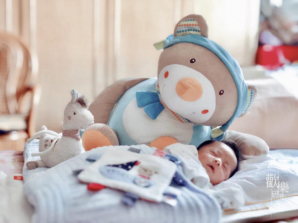 baby city、娃娃城、嬰兒安撫用品、嬰兒用品、安撫方巾、安撫玩偶、安撫玩具、安撫用品、安撫音樂鈴、寶寶安撫用品、布偶玩具、德國芬恩fehn、拉環音樂鈴、搖鈴、新手媽咪的好幫手、新手媽媽、新生兒、育兒小物、育兒用品