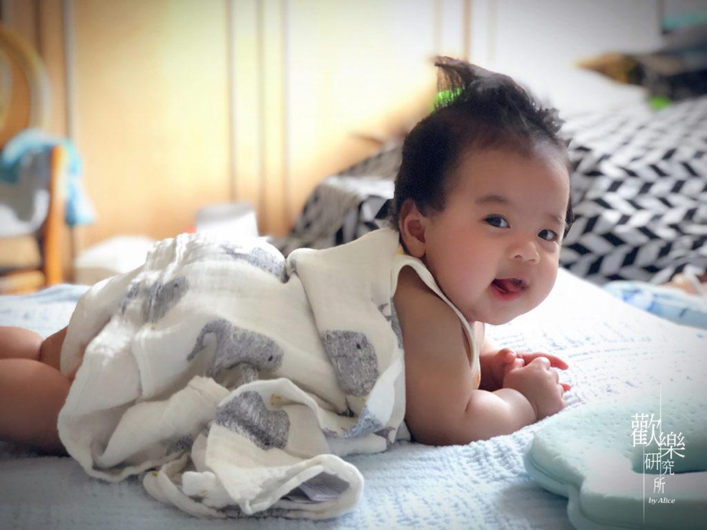 哺乳巾、寶寶必備用品、德國LASSIG、怕熱寶寶萬用巾、抑臭、抗菌防蟎、熱疹、竹棉涼感巾、竹纖維嬰兒包巾、育兒用品、親膚柔軟、透氣舒適、防紫外線